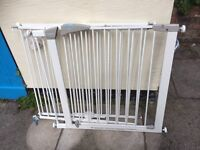 3 X Lindam stair gates (1 X pressure, 2 X wall attached)