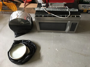 Microwave And kitchen lights