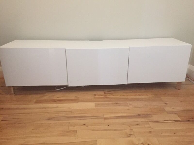 ikea besta white gloss tv stand sideboard in sydenham. Black Bedroom Furniture Sets. Home Design Ideas
