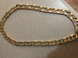 selling 242 g gold chain 9 firm