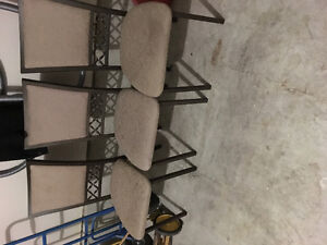 3 dining chairs/table