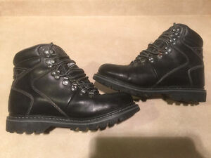 Mens B.U.M Winter Boots Size 8 London Ontario image 4