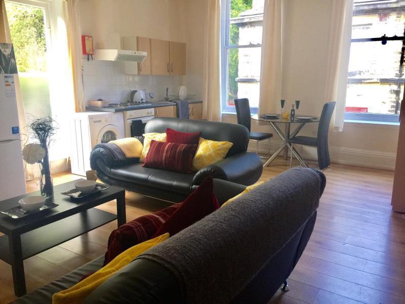 2 bedroom flat in 5 Ridgeway House
