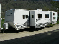 2007 28ft Okanagan Ecipsle BHS fully loaded Travel Trailer