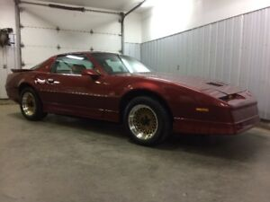 1988 Pontiac Trans Am GTA Coupé (2 portes)