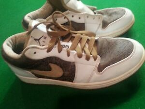 jordan shoes white and gold size 10