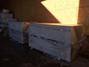"""Drywall Special Purchase 4x8-1/2"""" lite drywall 200 AVAILABLE"""