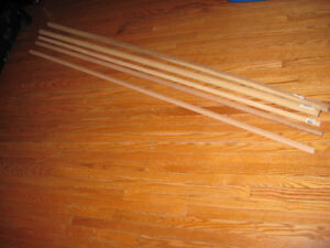 5 WOODEN DOWELS DIFFERENT SIZES OR CAN USE FOR CURTAIN RODS Cambridge Kitchener Area image 3