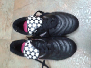 Girl's size 13 soccer shoes.