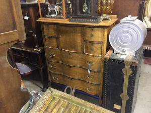 Moving sale 30% off, massive of antiques and collectable
