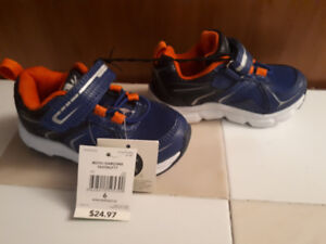 Wal-Mart Size 6 toddler boy Athletic Works Shoes
