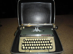 Smith Corona manual typewriter