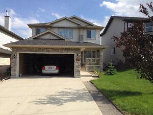 nice 2200 sqft house for rent in Kincora