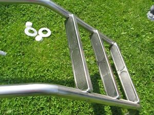 Stainless Steel Pool Steps/Ladder (JUST LIKE NEW)