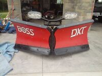 2015 Boss Dxt poly 9 '2 V Blade snow plow