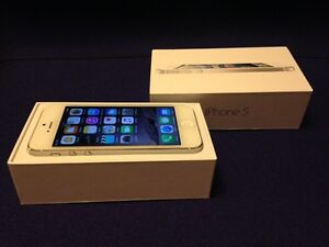 iPhone 5 32GB Silver, Locked to Rogers