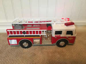 TONKA LIGHTS AND SOUNDS FIRE TRUCK