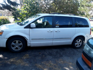 2009 dodge caravan for sale for $1800