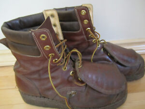 STEEL TOED WORK BOOTS