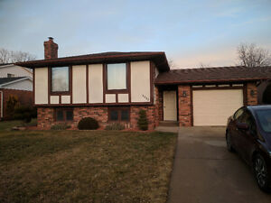 LaSalle detached home, 3+2 bed, 2 bath, attached garage for rent
