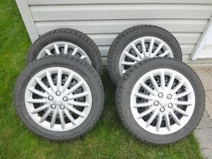 4 pneus TOYO d'hiver (2000km) 205/50 R16 87H Lac-Saint-Jean Saguenay-Lac-Saint-Jean image 1