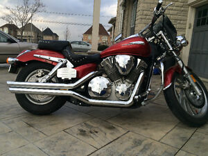 Honda VTX 1300c with very low mileage for sale