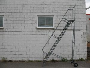 Échelle pour entrepôt ou magasin