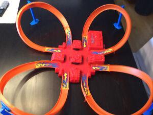 Piste de course Hotwheels 4 boucles / Racetrack with 4 loops