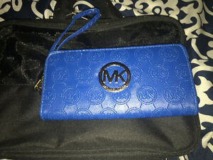 1 Micheal Kors wallet (not genuine)