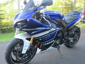 YAMAHA R1 2013 YZF-R (FINANCING AVAILABLE)