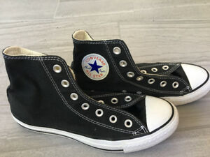 Converse All Star High tops - Size 6 Men/8 Women
