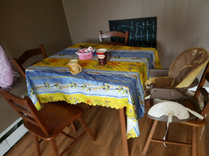 Table and 6 chairs $30