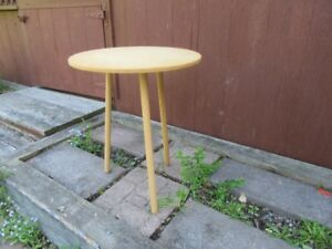 ROUND TABLE - 3 LEGS - REDUCED!!!!