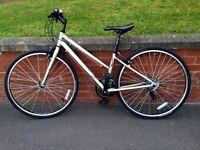 2015 Ladies TREK 21 Speed Hybrid Bike Size 20IN/51CM