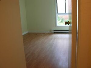 5 1/2 Condo style apartment for rent in Beaconsfield West Island Greater Montréal image 4