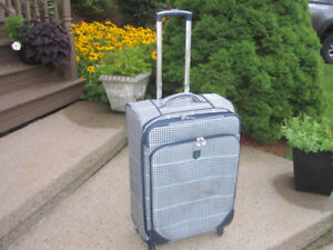 Medium Size Spinner Suitcase (Adolfo) with Retractable Handle