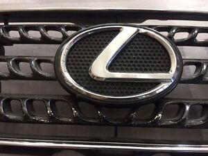 Lexus Is300 OEM Grill West Island Greater Montréal image 3