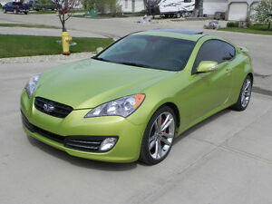 2010 Hyundai Genesis Coupe GT 3.8 Track Pack Coupe (2 door)