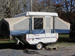 2007 Flagstaff 12ft POP-UP CAMPER TRAILER