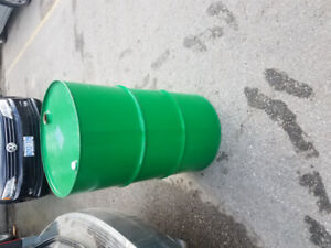 Metal Barrels for sale. 55 Gallon Drums only used once