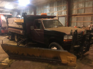 F350 Plow truck with wing and sander