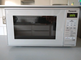 Panasonic 800w silver microwave - as new