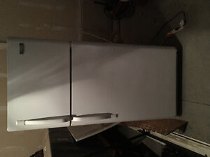 White fridge. In good condition Cambridge Kitchener Area image 1