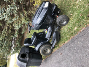 For sale Craftsman T3200 lawnmower tractor