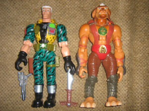 SMALL SOLDIERS 12 INCH ARCHER AND CHIP HAZARD FIGURES