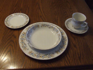 OXFORD BLUE HEAVEN DISHES Kitchener / Waterloo Kitchener Area image 4