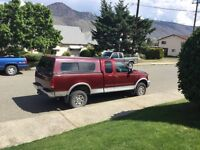 1999 Ford F-250 Lariat 4X4 Extended Cab with Canopy