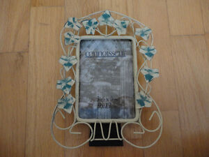 Metal leaf pattern photo frame picture frame Brand new London Ontario image 5