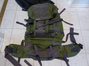 MEC Hiking/ Traveling/ Mountaineering/ Backpack with rain cover