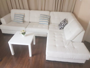 Sofa sectionnel a vendre  comme neuf prix nego